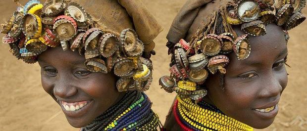 パリコレも顔負けのファッションセンス!アフリカ・エチオピア民族の感性がエコすぎる!?