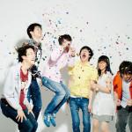 """まさかの解散宣言!眩しいロックを奏でる男女6人組バンド""""恋する円盤""""の名曲をまとめる。"""