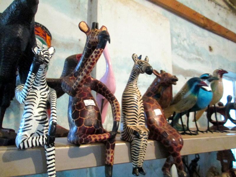 ケニアのお土産として大人気!ユニーク木彫りを生み出し続ける職人の街『ワムニュ』とは。
